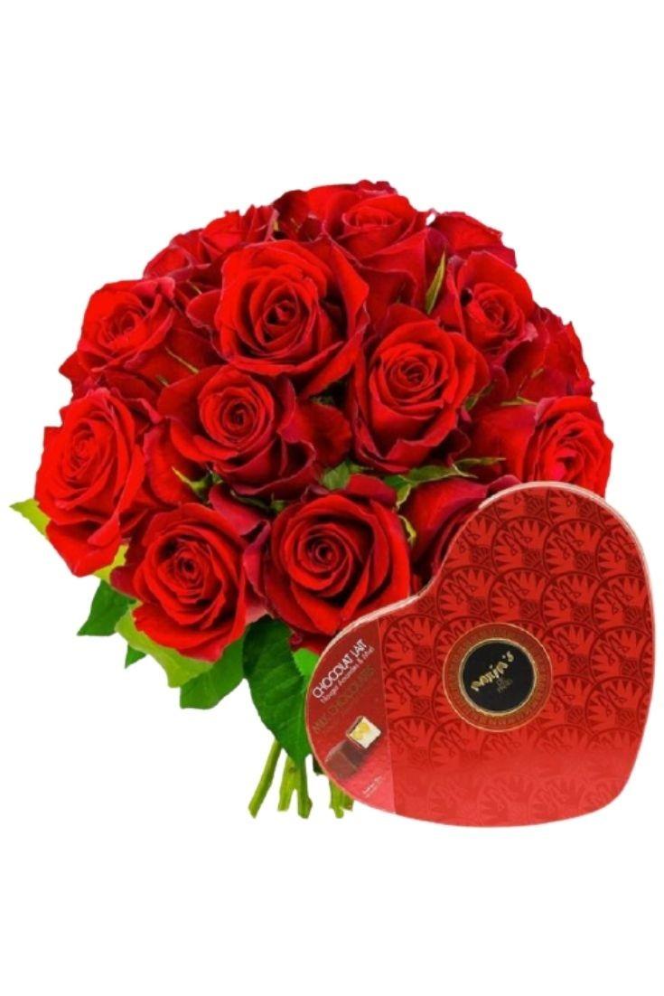 Roses rouges et boîte de chocolats